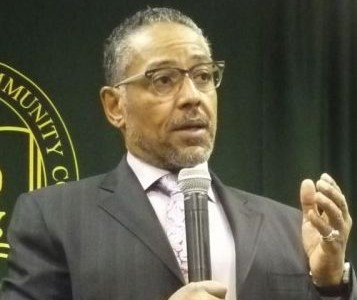 'Breaking Bad' actor speaks at HCCC